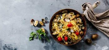Pâtes de fruits de mer de Vongole d'alle de spaghetti de pâtes avec des palourdes images libres de droits
