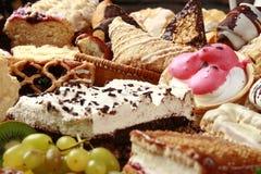 Pâtes et gâteaux images stock