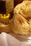 pâtes et huile d'olive italiennes Image stock