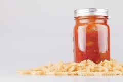 Pâtes et sauce à spaghetti Photographie stock