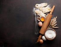 Pâtes faisant cuire des ingrédients Photo stock