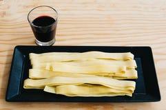 Pâtes fraîches et vin rouge Photo libre de droits