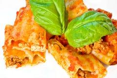 Pâtes italiennes de Cannelloni images libres de droits