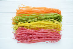 Pâtes multicolores crues Image libre de droits