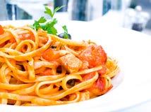 Pâtes pâte-italiennes savoureuses de sauce à viande Images libres de droits