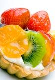 Pâtisserie au goût âpre délicieuse de fruit de table avec de la crème Photos libres de droits