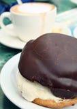 Pâtisserie de chocolat avec du café Photo libre de droits
