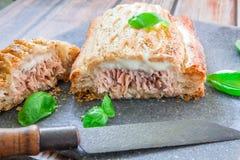 Pâtisserie saumonée fraîche photo libre de droits