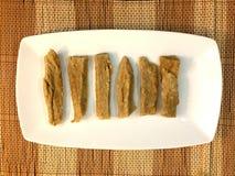 Pâtisserie traditionnelle cuite à la friteuse croustillante fraîche Photo libre de droits