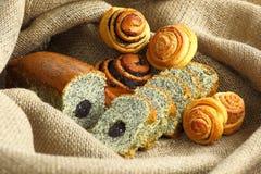 Pâtisseries avec le pavot Photographie stock libre de droits