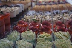 Pâtisseries dans une boutique Photos libres de droits