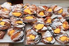 Pâtisseries de Sfogliatelle avec de la crème images libres de droits