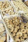 Pâtisseries et butées toriques Photo stock