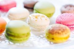 Pâtisseries françaises de Macarons Photographie stock libre de droits