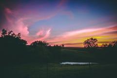 Pâturage de Midwest au coucher du soleil images libres de droits