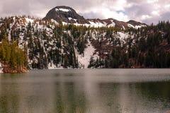 Północnego Kalifornia Kinney Rezerwuar jezioro fotografia stock