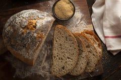 Pão antigo caseiro orgânico da grão Imagem de Stock