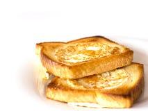 Pão brindado fritado com ovo para dentro Isolado Imagens de Stock