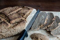 Pão caseiro com o trigo de Khorasan Kamut e a farinha de centeio, fermentados Foto de Stock Royalty Free