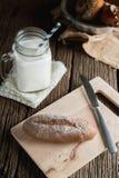 Pão com leite Imagem de Stock