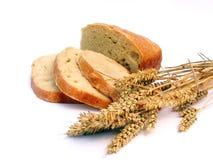 Pão com orelhas do trigo imagens de stock