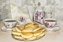 Pão com queijo ao chá imagens de stock royalty free