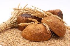 Pão com trigo e orelhas foto de stock