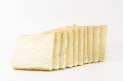 Pão cortado isolado no branco Fotografia de Stock