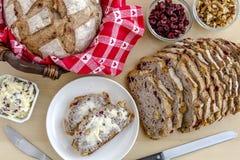 Pão cozido fresco da noz do arando Fotografia de Stock