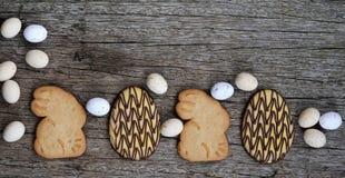 Pão da Páscoa e ovos da páscoa, festival da Páscoa, decoração em dias da Páscoa Imagem de Stock Royalty Free
