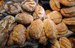 Pão de cebola e grupo de produtos de forno de uma padaria fotos de stock royalty free