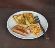 Pão de Eggy, espaguete e refeição do pequeno almoço da salsicha Imagens de Stock Royalty Free