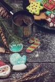 Pão-de-espécie e café para anos novos ou Natal Fotografia de Stock