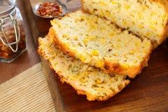 Pão de milho cortado fotografia de stock royalty free