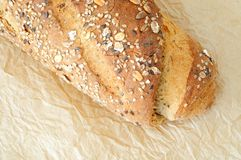Pão de Multigrain com farinha de trigo inteiro Fotografia de Stock Royalty Free