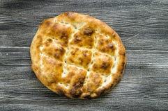 Pão de Pide, pão do pide do peru, ramazan e pide, pide do pão do turco, cultura turca e pão do pide, pão do pide no fundo branco Imagens de Stock Royalty Free