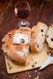 Pão do arando e da noz imagens de stock