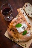 Pão do arando e da noz foto de stock