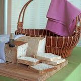 Pão do brinde da fatia na linha do bufete Fotografia de Stock Royalty Free