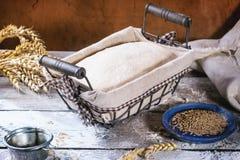 Pão do cozimento Fotos de Stock Royalty Free