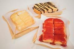 pão do doce de morango, pão do açúcar de leite condensado, brea do chocolate imagem de stock