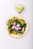 Pão do envoltório da tortilha com vegetais Imagem de Stock Royalty Free