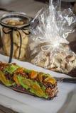 Pão do maçapão do chocolate de Dekorativ Fotos de Stock