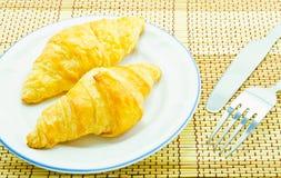 Pão do pequeno almoço no fundo branco Fotografia de Stock