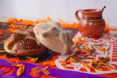 Pão dos mortos - ` de ` bandeja de muerto imagens de stock