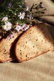 Pão e flores Fotografia de Stock Royalty Free