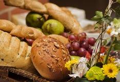 Pão e frutos Imagens de Stock