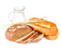 Pão e leite Fotografia de Stock Royalty Free