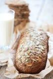 Pão e leite do cereal Foto de Stock Royalty Free