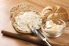 Pão e manteiga imagens de stock